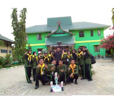 PMR WIRA MAN 4 Banjar Boyong Tiga Piala